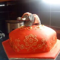 Bollywood Indian Elephant Cake Made for my best friend who love elephants and all things Bollywood. Mariska is responsable for the Elephant and I (H) did all the piping,...