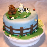 Cow Cake Inspired by Loraines fantastic designs and figures I wanted to improve my modeling skills by making these two lovely cows. Everything is...