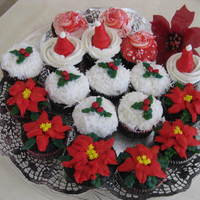 Christmas Cupcakes  I made these kind of last minute and rushed towards the end. None of which are an original idea of mine I searched tons of photos on CC and...