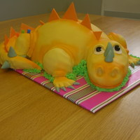 Cute Dragon Cake 3D Dragon CakeTechnique: Fondant/ Airbrush