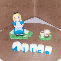 Alice In Wonderland   I love making new figures and so got asked for an alice in wonderland im really pleed with her :)