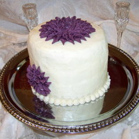 Dahlia Cake Not an original design. Thanks to A Watterson's tutorial. Honestly made this to see how smooth I could get buttercream - not as smooth...