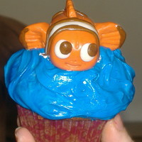 Nemo cupcake for a 3 yr old.