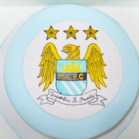 Manchester City Football Crest Pretty basic, first attempt at painting on fondant!