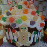 Gingerbread Holiday Large Cupcake