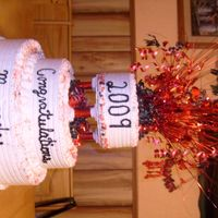 048.jpg graduation cake for friends daughter