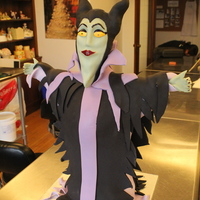 Milificent Sculpted Structured Cake Made during a class with Jaime Ho of The Wicked Little Cake Company. She's done two Food Network challenges and she's a great...