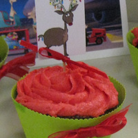 Christmas Cupcakes cupcakes with homemade wrapper and topper