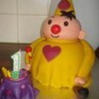 Clown Bumba   BUMBA a dutch cartoon clownvanilla cake and 6 layers of cream and summerfruit