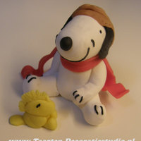 Snoopy With Woodstock Made of sugarpaste.