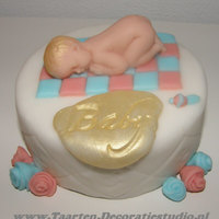 Baby With Roses Decorated with sugarpaste