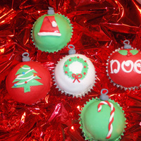 Christmas Ornaments These gave me real trouble in the begining. Thanks to Tiggy2, I was able to do the fondant tops correctly. This is my first time covering...