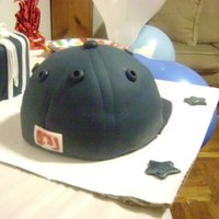 Yankees Cap Cake And Gift Cake