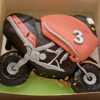 Will's Wheels motorbike cake for a little boy who's 3. thanks to juicyjules for the inspiration (well, i practically copied!). vanilla sponge with...