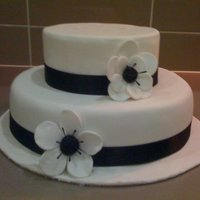 Black & White 2 Tier Still practising! So I used foam for the top tier.