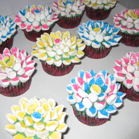Flower Cupcakes Easter flower cupcakes, so much fun to make.