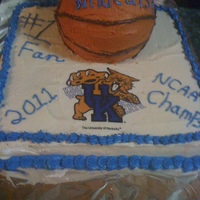 Uk Basketball 3D 2-Tier Iced cake 2-tier 3d basketball Sweet 16 champonship 2011.