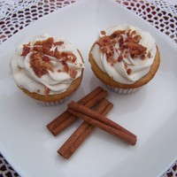 Breakfast Cupcake a maple cupcake injected with maple frosted with cinnamon buttercream finished with crumbled bacon.