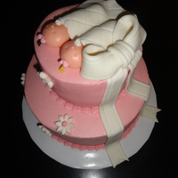Babies On Baby Shower Cake