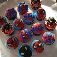 Spiderman Cupcakes chocolate cupcakes buttercream frosting and fondant decorations