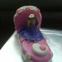 Bed Dolly marshmallow fondant