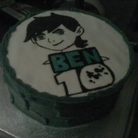 Ben 10 Cake I made this for a family friends son. They ll loved it. And i hope you guys do too :)