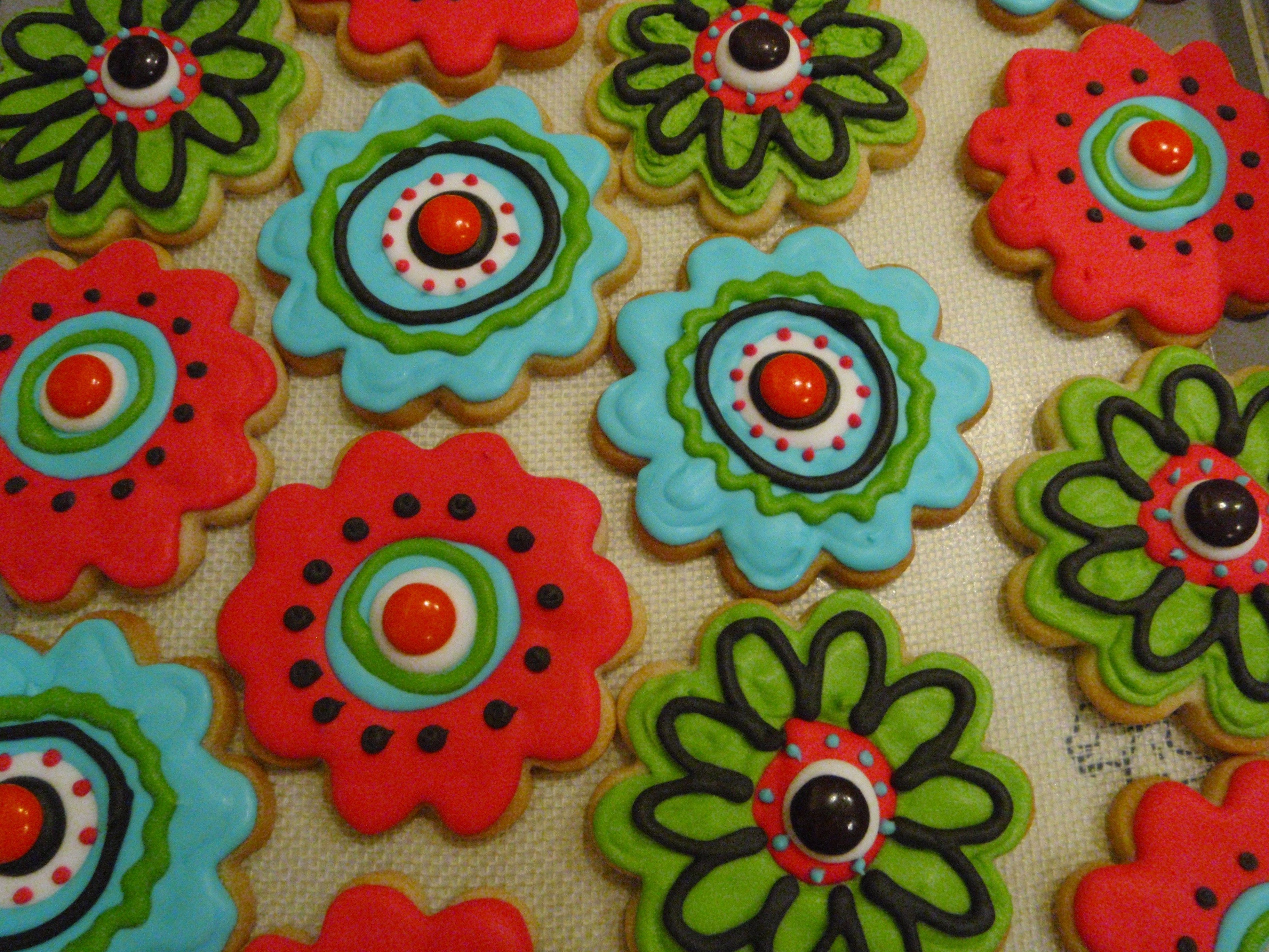 Funky Flower Cookies   For my daughter's 9th birthday to take to school