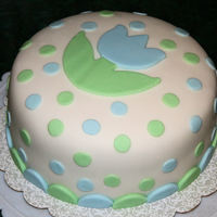My First Time Making Fondant   My first attempt at making fondant AND covering a cake with it.
