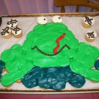 Frog Cup Cakes Frog getting flies