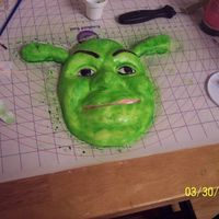 Shrek Made of all fondant & airbrushed.