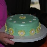 Grams_88Th_Birthday_2.jpg 2nd time making MMF this time used MacsMom's recipe. This was my first time trying gumpaste daisies wouldn't dry because of the...