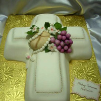 Cross Comunion Cake Made this weekend for a comunion.