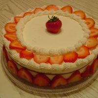 Sponge Cake With White Chocolate & Strawberries Mousse Filling