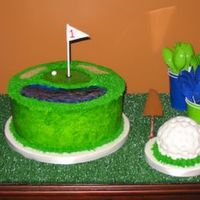 Hamilton's First Birthday Golf cake and golf ball smash cake for first birthday.