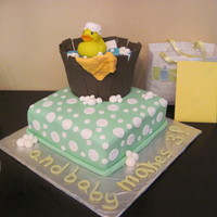 Rubber Ducky Cake I did this for a baby shower that was using the ducky theme. It turned out to be a total hit. Apple spice cake with cream cheese icing with...