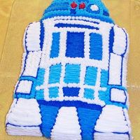 R2 D2 - Star Wars   My son's eighth birthday cake...