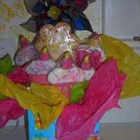 Cupcake Cookie Bouquet I made this for my daughters kindergarden friends birthday. Just sugar cookies & royal icing