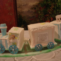 Baby Shower Train in rolled fondant and gumpaste
