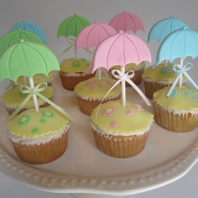 Umbrella Cupcakes For A Rainy Day