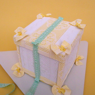 Yellow-Backed Lace Anniversary Cake