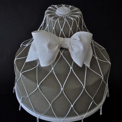 Matelasse Sugarveil Bow And Veil Cake