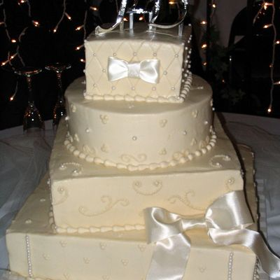 Pearls And Bows Wedding Cake