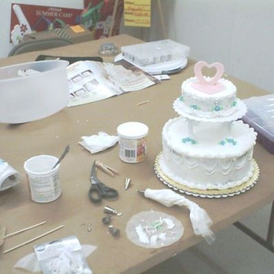"Ahvon's First ""practice"" Wedding Cake (With Some Help) 3"
