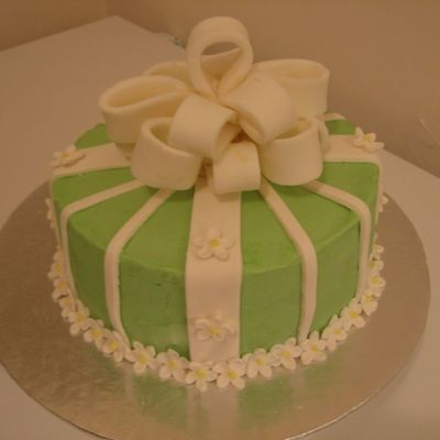Green Daisy Cake With Bow on Cake Central