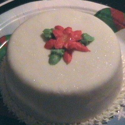 Poinsettia Mini-Cake