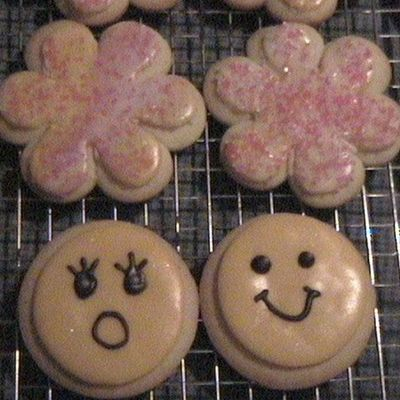 Flower And Smiley Cookies