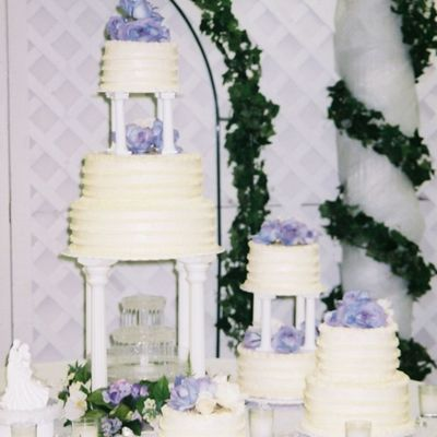Large Round Wedding Cake