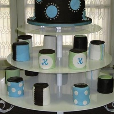 Mini Cakes Shower