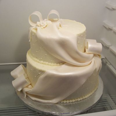 Wedding Cake With Swags And Bows