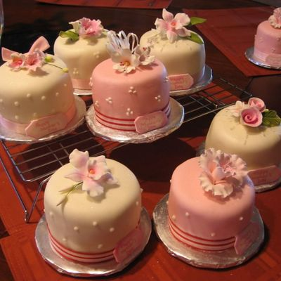 Mini Cakes on Cake Central